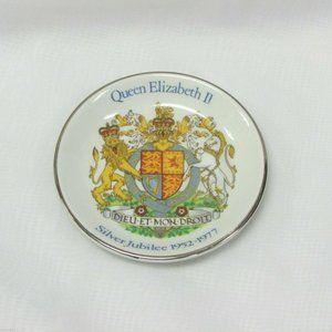 QUEEN ELIZABETH SILVER JUBILEE 1952-1977 PIN DISH